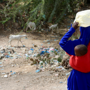 Woman and child in Hargeisa Refugee Camp, where SOFHA work on ending female genital cutting